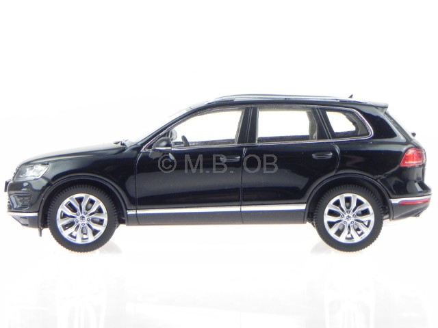 VW Touareg deep black Modellauto Herpa 1:43
