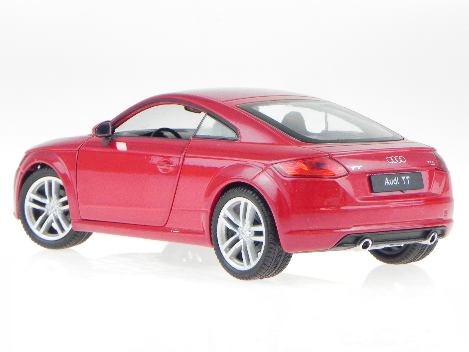 audi tt coupe 2014 rot metallic modellauto 24057 welly 1 24 ebay. Black Bedroom Furniture Sets. Home Design Ideas