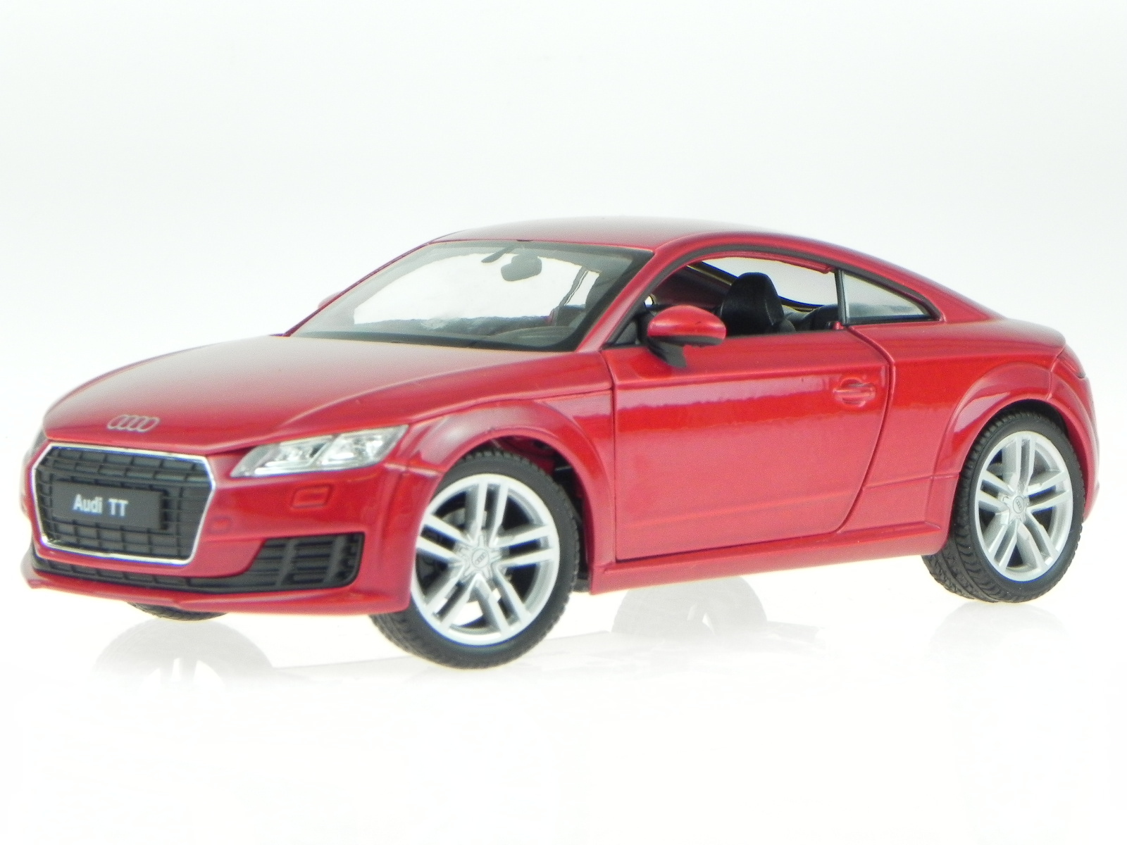 audi tt coupe 2014 rot metallic modellauto 24057 welly 1. Black Bedroom Furniture Sets. Home Design Ideas