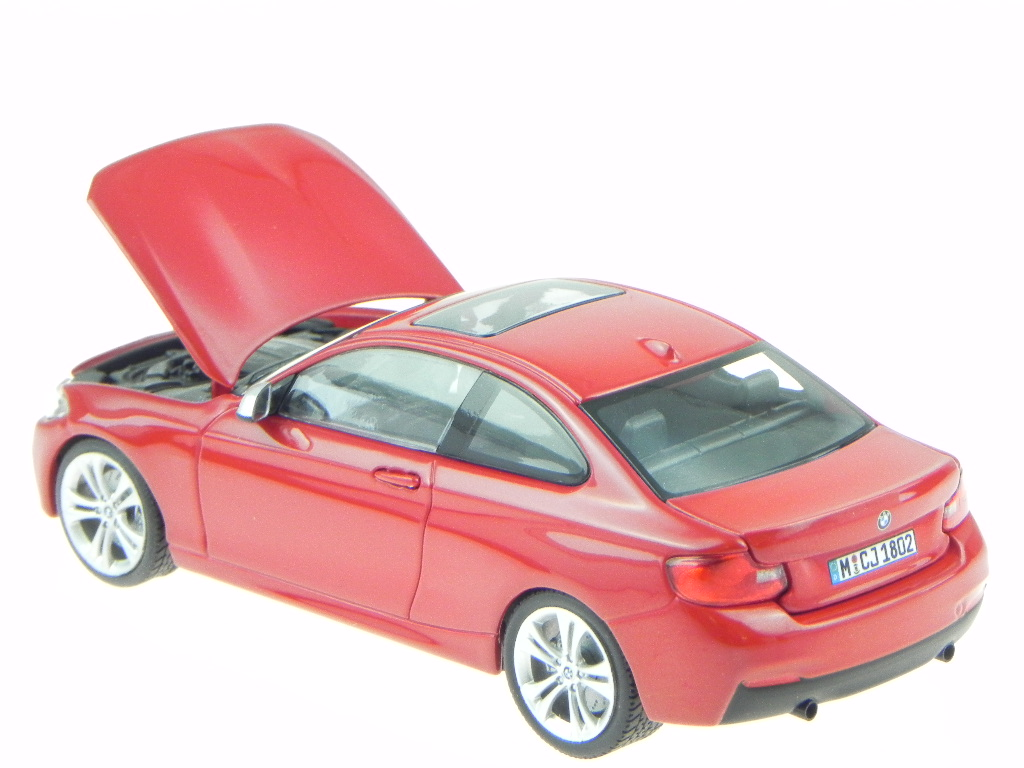 BMW F22 2er Coupe alpinweiss Modellauto Minichamps 1:43