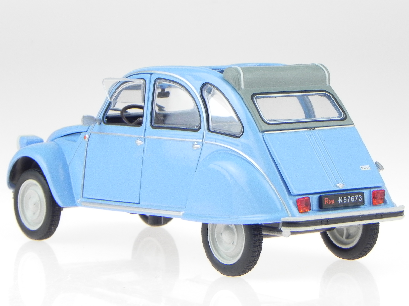 citroen 2cv 2 cv 4 ente 1976 blue modelcar leo 1 24. Black Bedroom Furniture Sets. Home Design Ideas