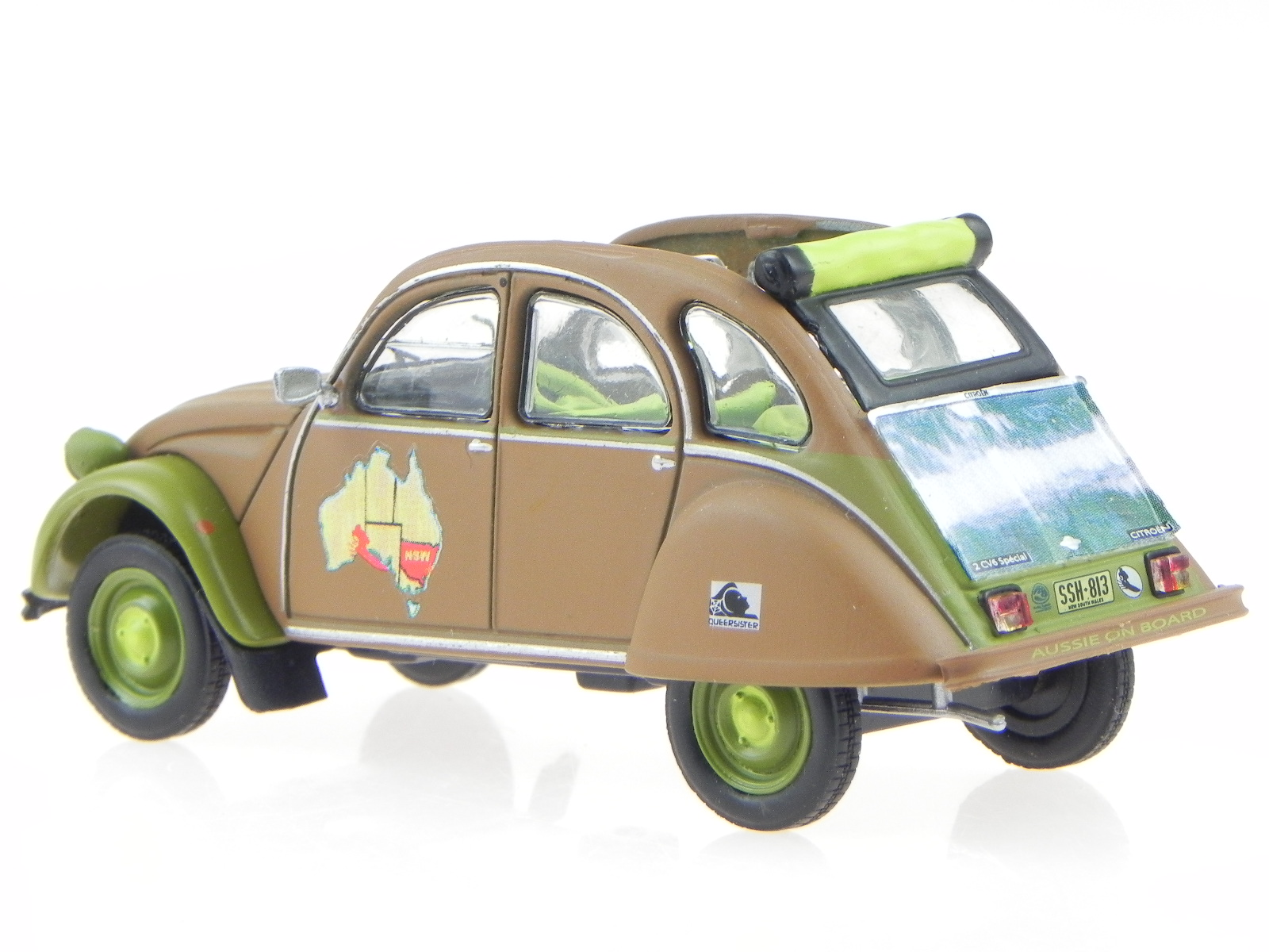 citroen 2cv surf ente australienne brown diecast modelcar. Black Bedroom Furniture Sets. Home Design Ideas