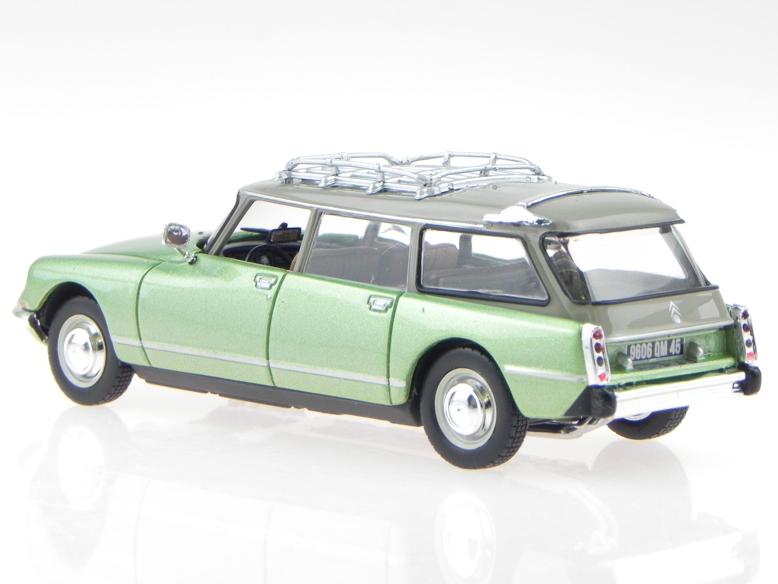 citroen ds 23 break 1974 green modelcar 155044 norev 1 43. Black Bedroom Furniture Sets. Home Design Ideas