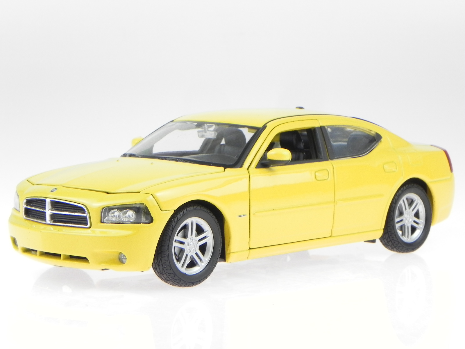 dodge charger r t yellow modelcar 22476 welly 1 24. Black Bedroom Furniture Sets. Home Design Ideas