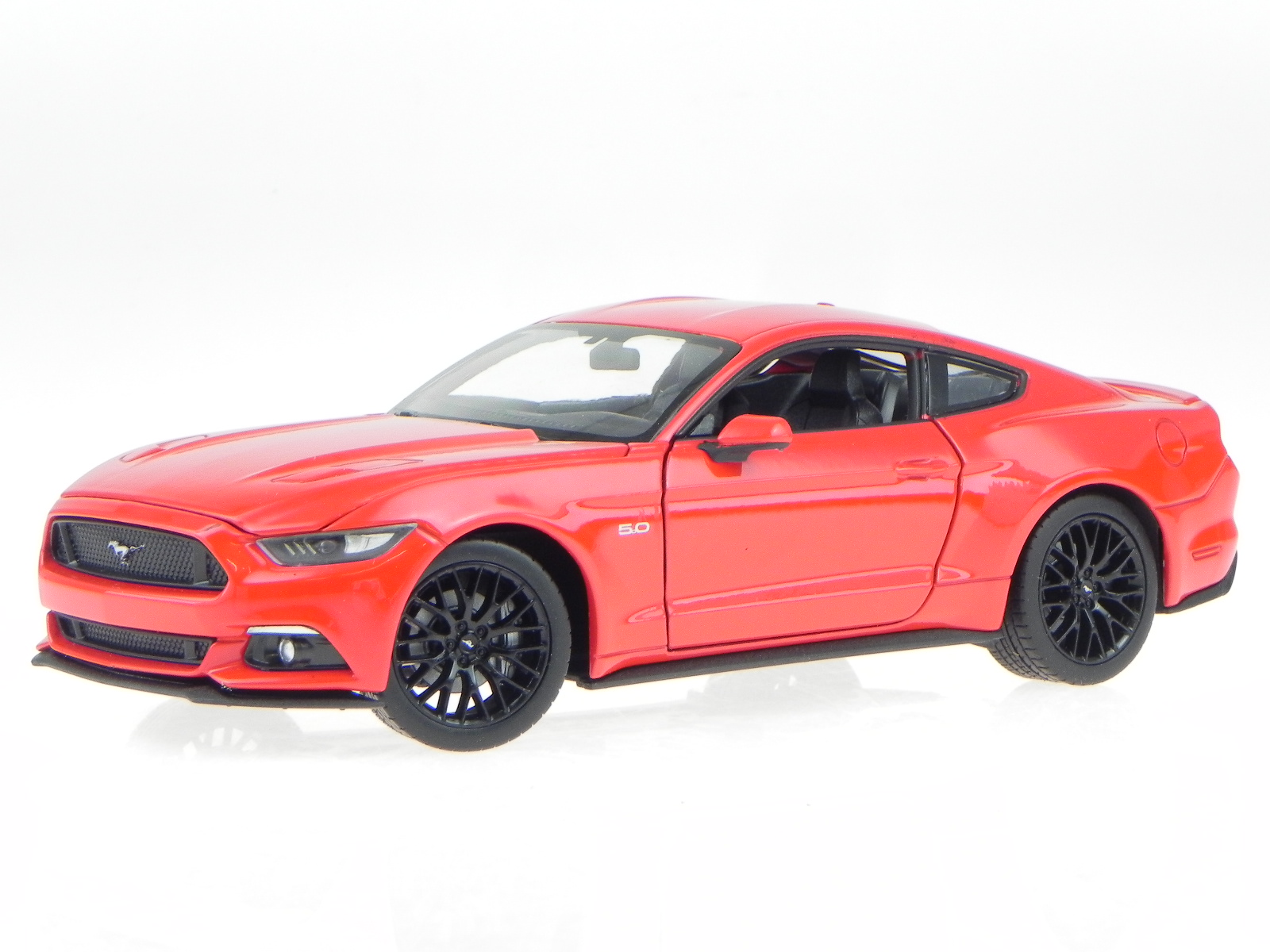 Ford-Mustang-GT-2015-red-modelcar-24062-Welly-1-24