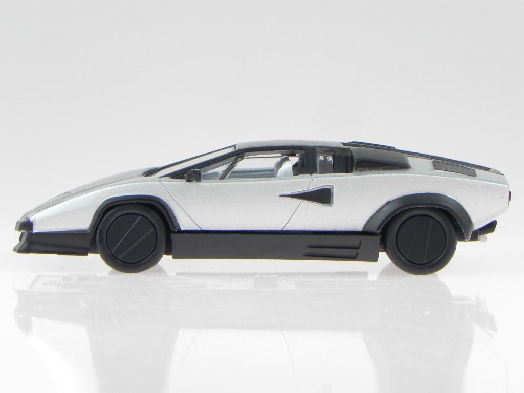 Lamborghini Countach Evoluzione Modelcar Wb512 Whitebox 1 43