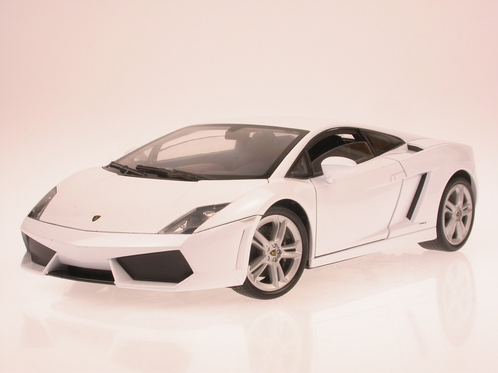 Lamborghini-Gallardo-LP-560-4-wHite-diecast-model-car-Welly-1-18 thumbnail 3