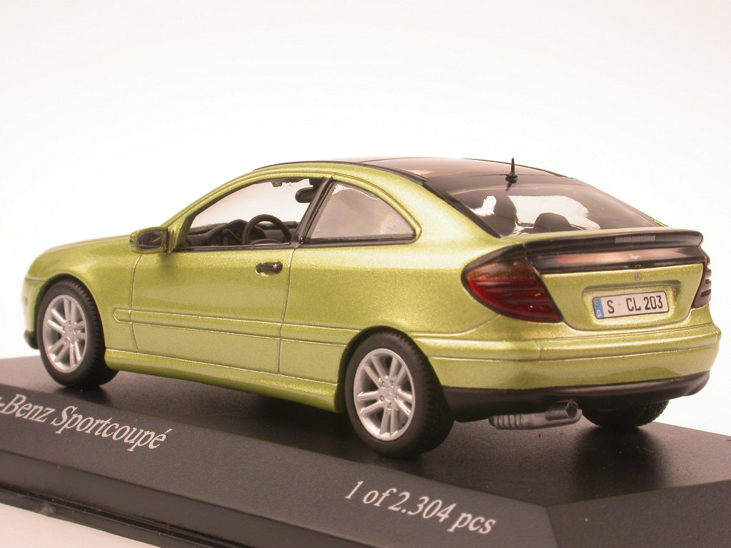 Mercedes-C203-C-Class-Sportcoupe-green-diecast-model-car-Minichamps-1-43 miniature 3