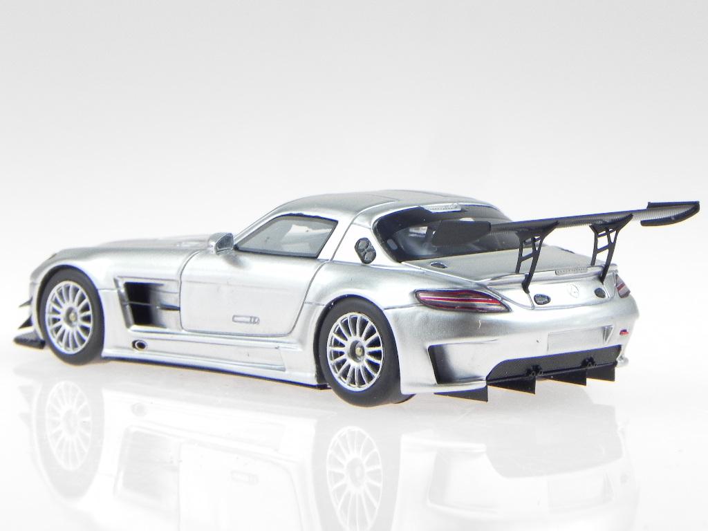 Mercedes Mercedes Mercedes C197 SLS AMG GT3 argent véhicule miniature Spark 1 43 1d7a34
