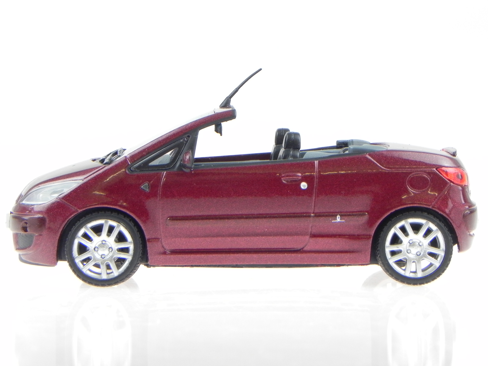 Mitsubishi-Colt-CZC-Convertible-red-modelcar-Vitesse-1-43