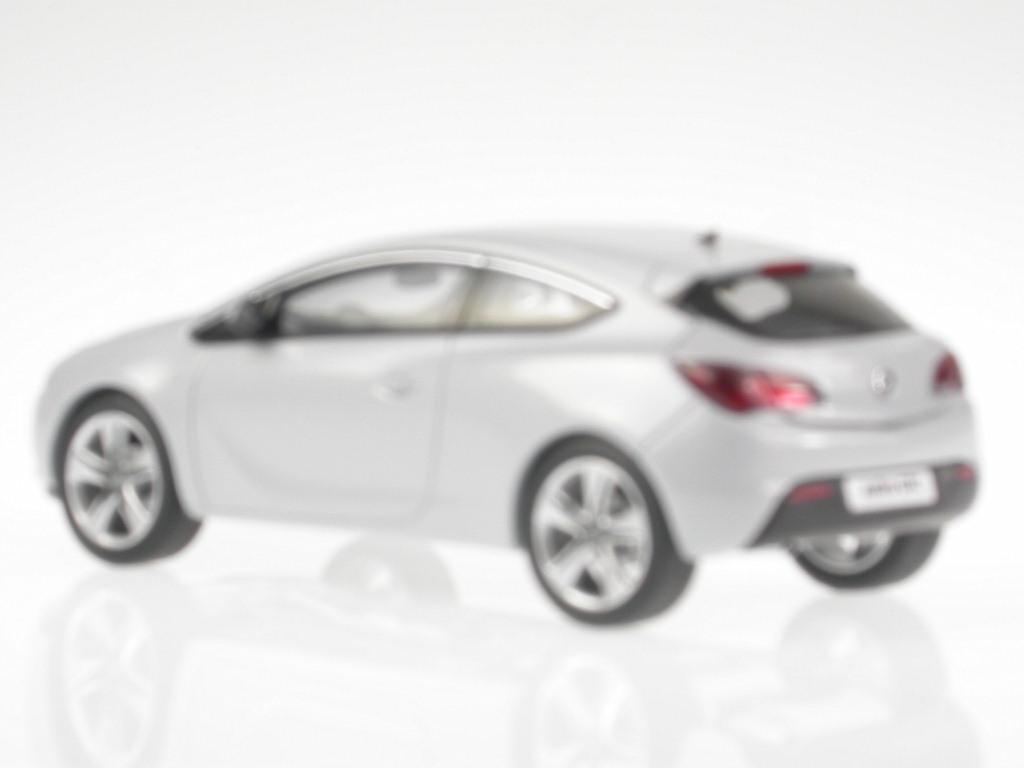 Opel-Astra-J-GTC-blanco-mineral-coche-en-miniatura-4300865-Motorart-1-43