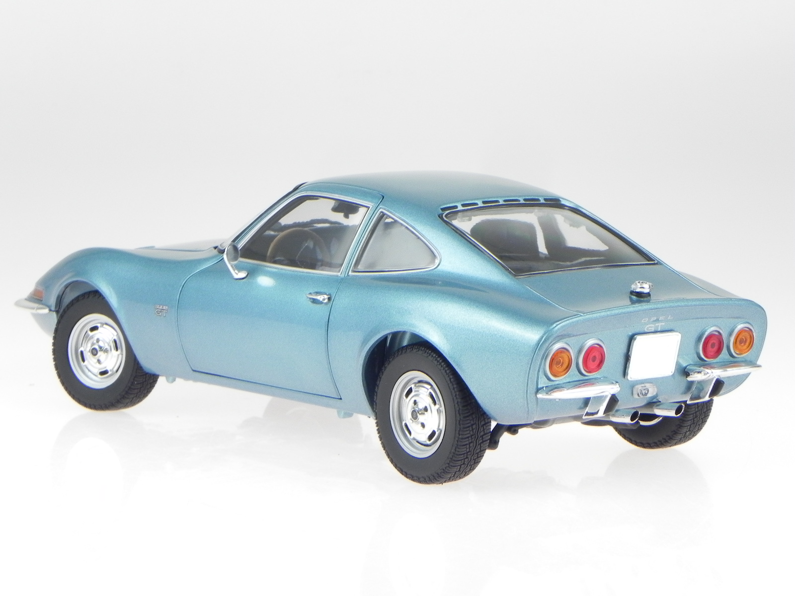 opel gt 1972 blau metallic modellauto 180049030 minichamps. Black Bedroom Furniture Sets. Home Design Ideas