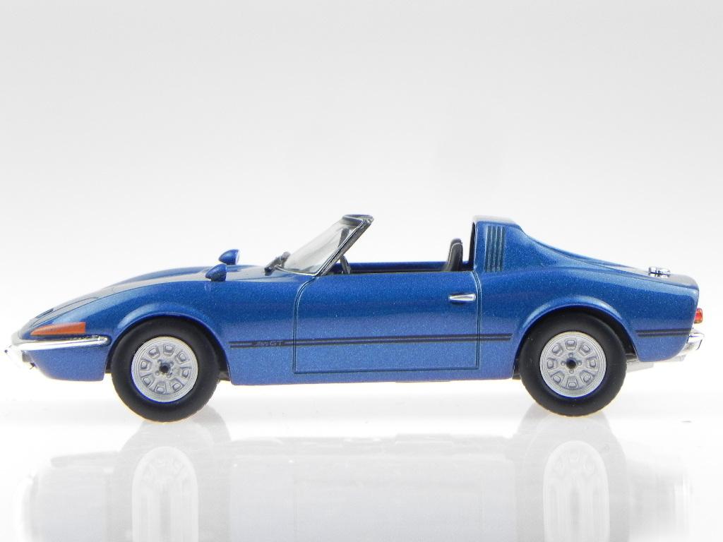 Opel-GT-Aero-azul-coche-en-miniatura-1-43