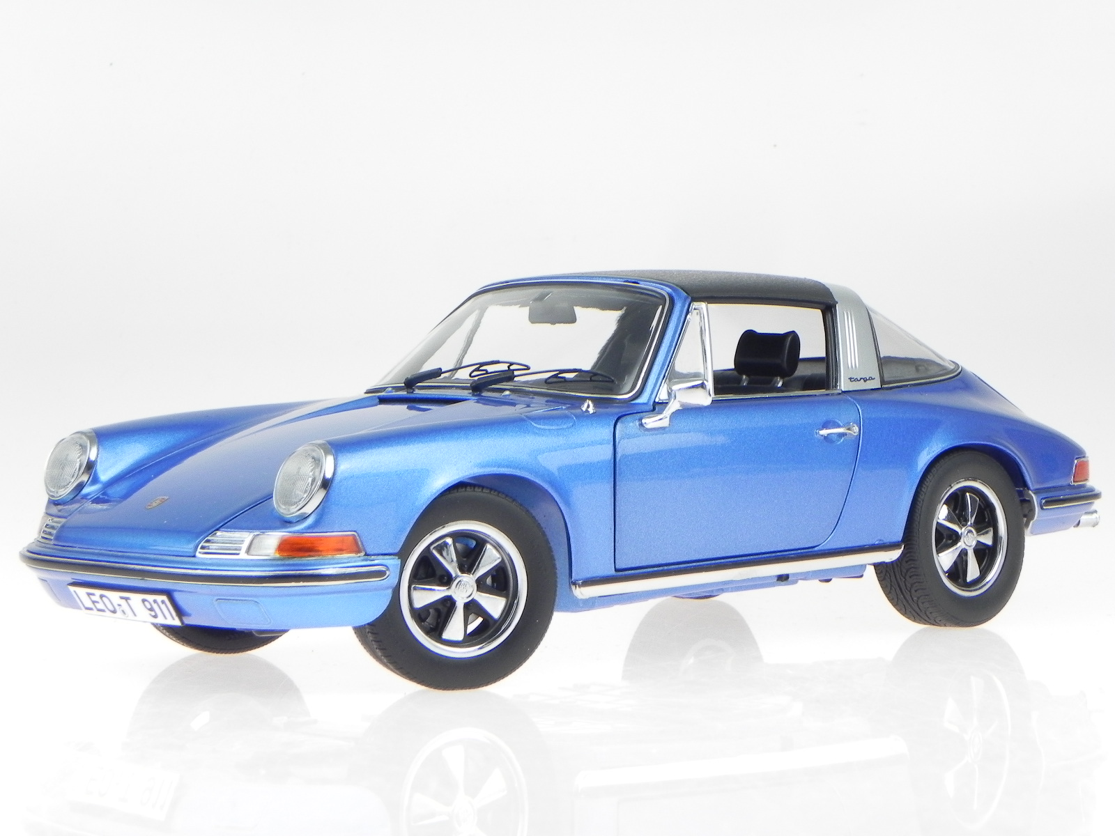 porsche 911 s targa 1973 blau metallic modellauto 354. Black Bedroom Furniture Sets. Home Design Ideas