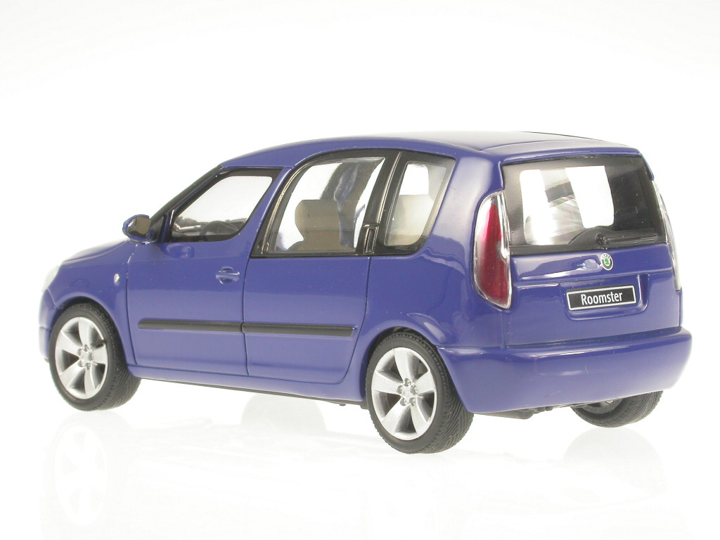 skoda roomster blau blue dynamic modellauto 143ab 007l. Black Bedroom Furniture Sets. Home Design Ideas