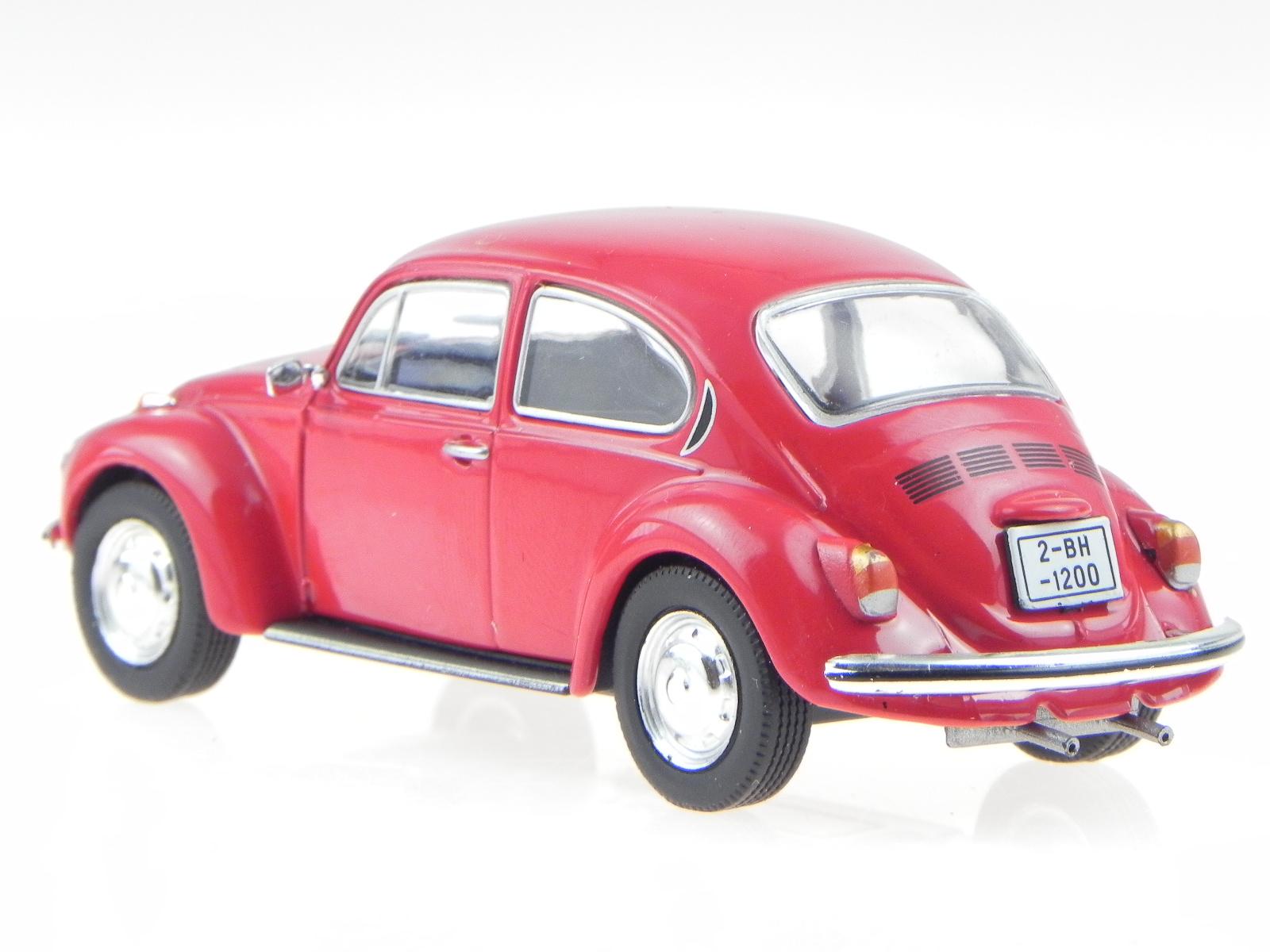 vw k fer 1302 rot modellauto in vitrine 1 43 ebay. Black Bedroom Furniture Sets. Home Design Ideas
