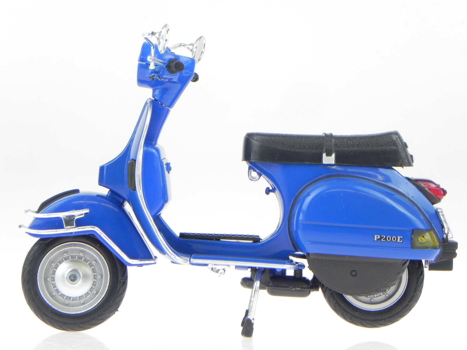 vespa p 200 e px 1978 blue uni metall modell 42123 newray 1 12 4058124220572 ebay. Black Bedroom Furniture Sets. Home Design Ideas