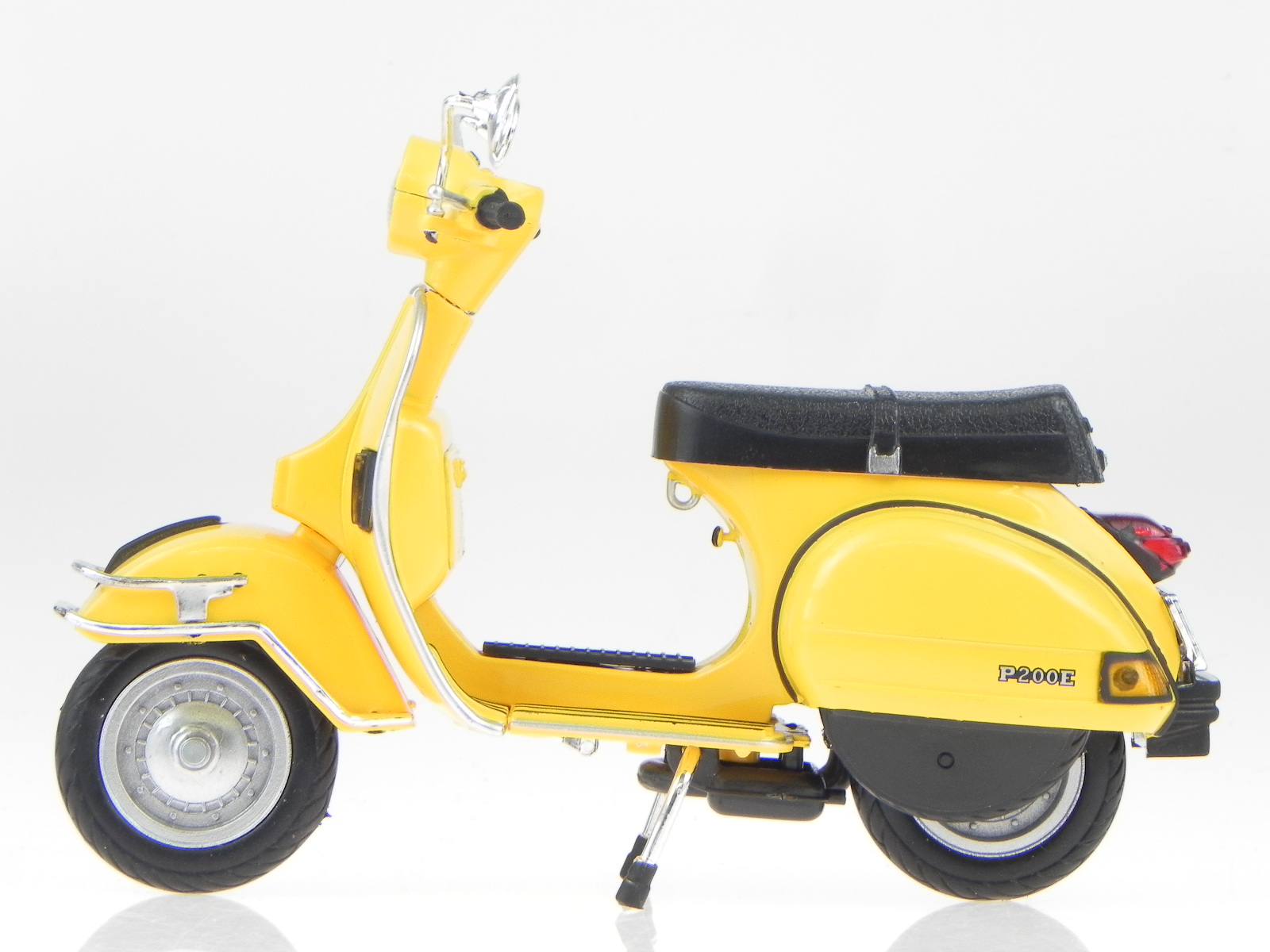 vespa p 200 e px 1978 yellow metall modell 42123 newray 1 12 4058124220589 ebay. Black Bedroom Furniture Sets. Home Design Ideas