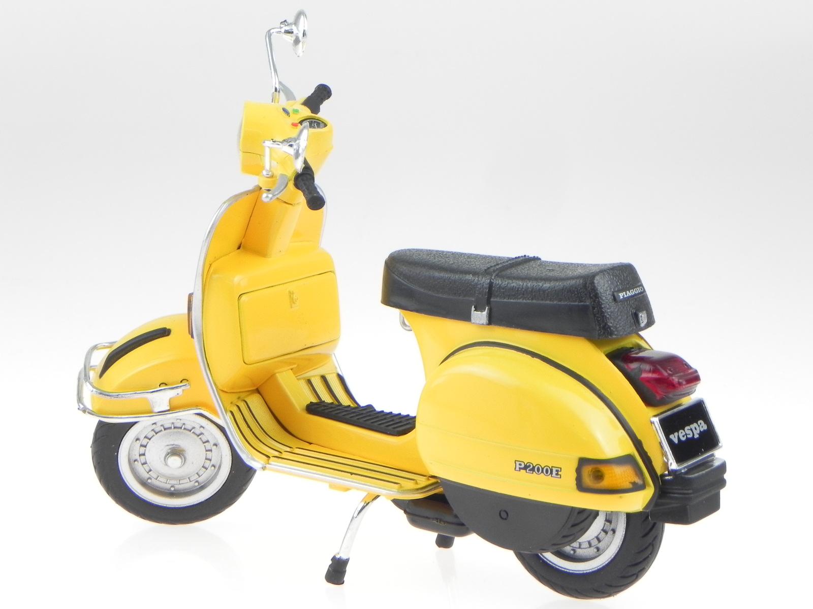 vespa p 200 e px 1978 yellow metall modell 42123 newray 1 12 ebay. Black Bedroom Furniture Sets. Home Design Ideas