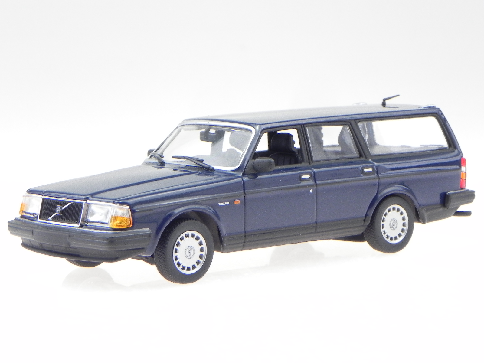 Volvo 240 Gl Break 1986 Dunklbleu Véhicule Miniature 940171412 Maxichamps 1:43