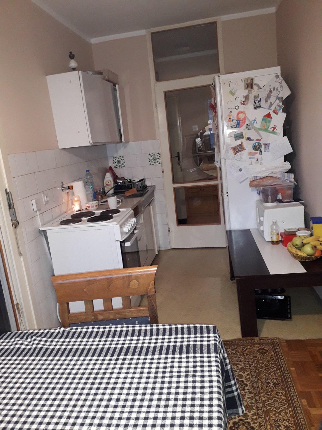 Prodajem dvosoban stan u 62 bloku isto no orijentisan 6 sprat