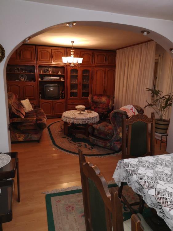 Na prodaju kuća od 110 kvadrata u osnov...
