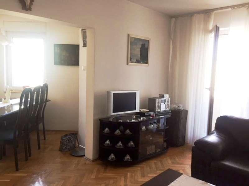 Izdaje se stan, namešten, Novi Beograd(YUBC), Beograd, Srbija