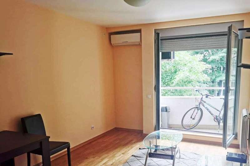 Izdaje se stan, polunamešten, Dorćol, Beograd, Srbija