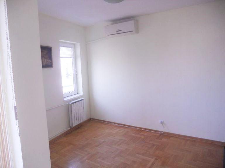 Izdaje se stan, prazan, Konjarnik, Beograd, Srbija