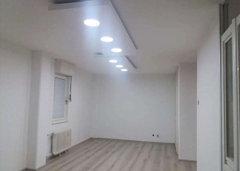Izdaje se stan, prazan, Novi Beograd(blok 24), Beograd, Srbija