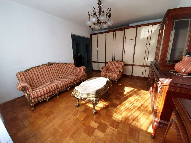 Izdaje se stan, namešten, Denkova bašta, Beograd, Srbija