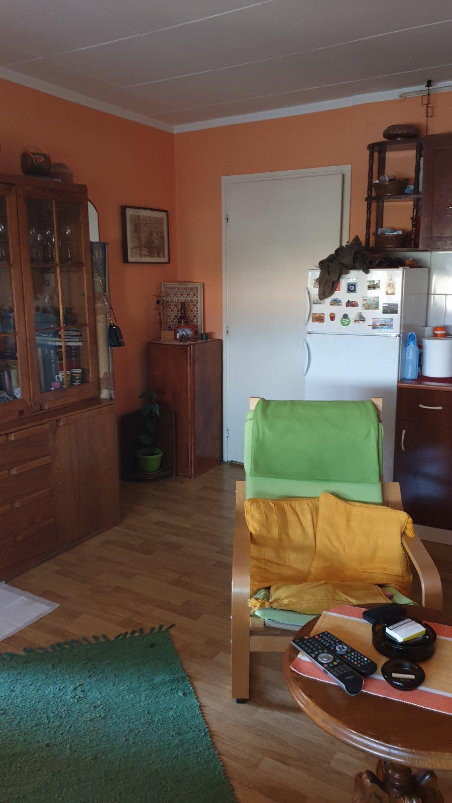 Prodaje se stan u Somborskoj