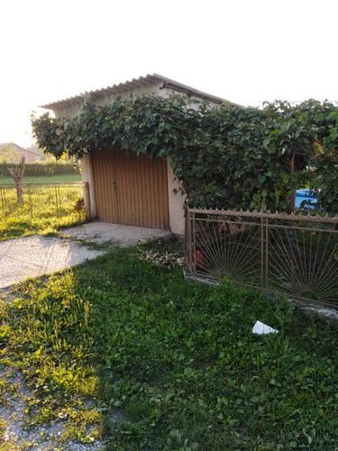 Prodajem kuću u Arandjelovcu 1 km od centra i 14 5 ari placa