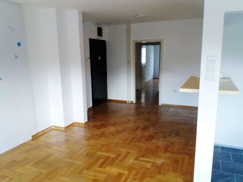 Izdaje se stan, prazan, Novi Beograd(blok 21), Beograd, Srbija