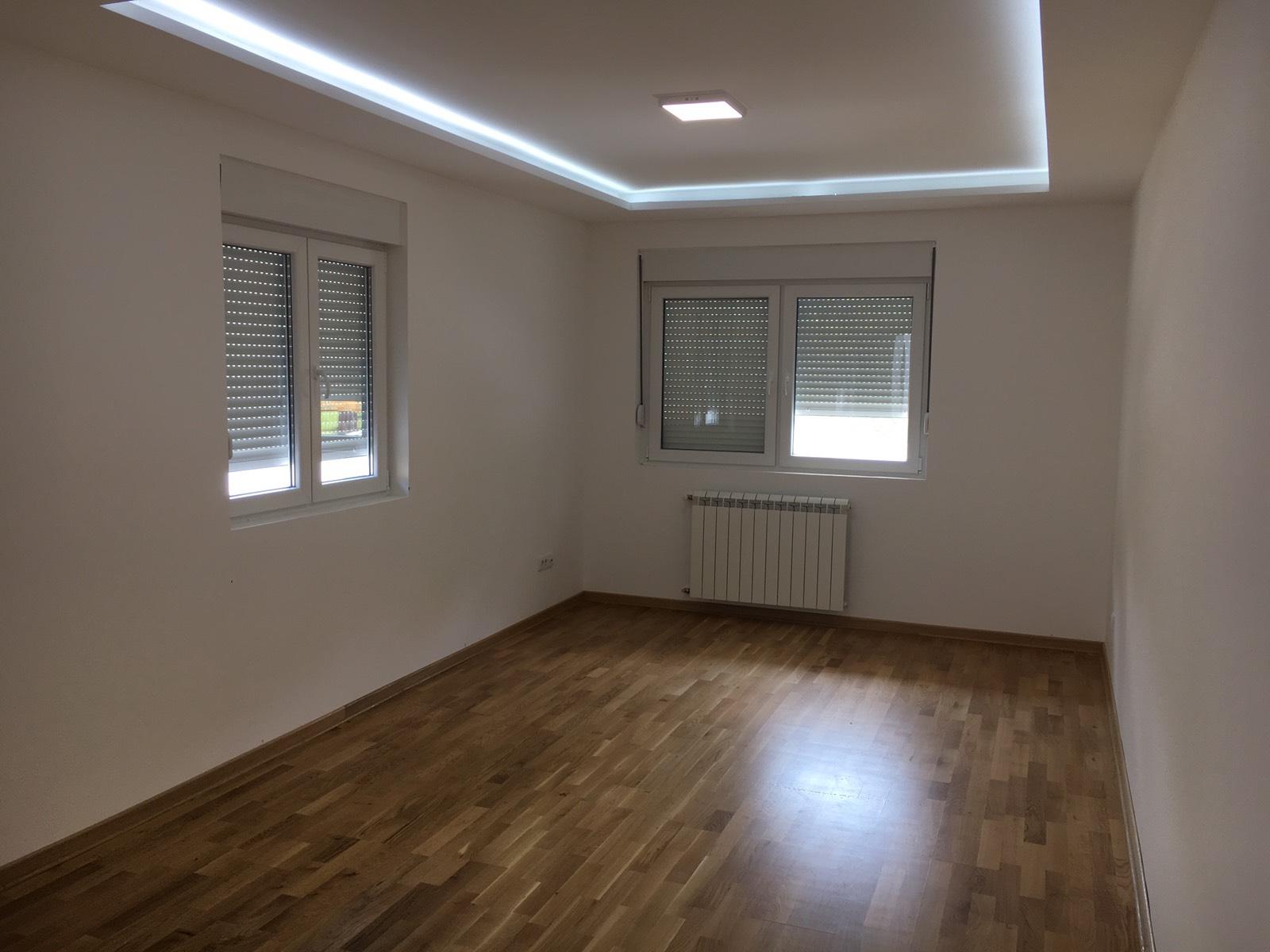 Na prodaju stan u Obrenovcu