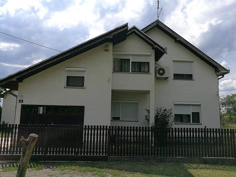 Na prodaju kuća u Obrenovcu Zvečka