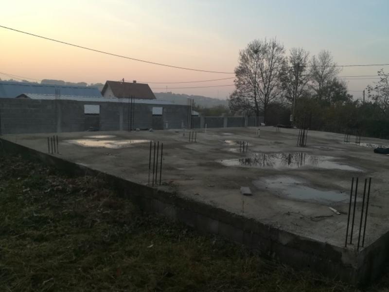Prodajem plac u Lazarevcu