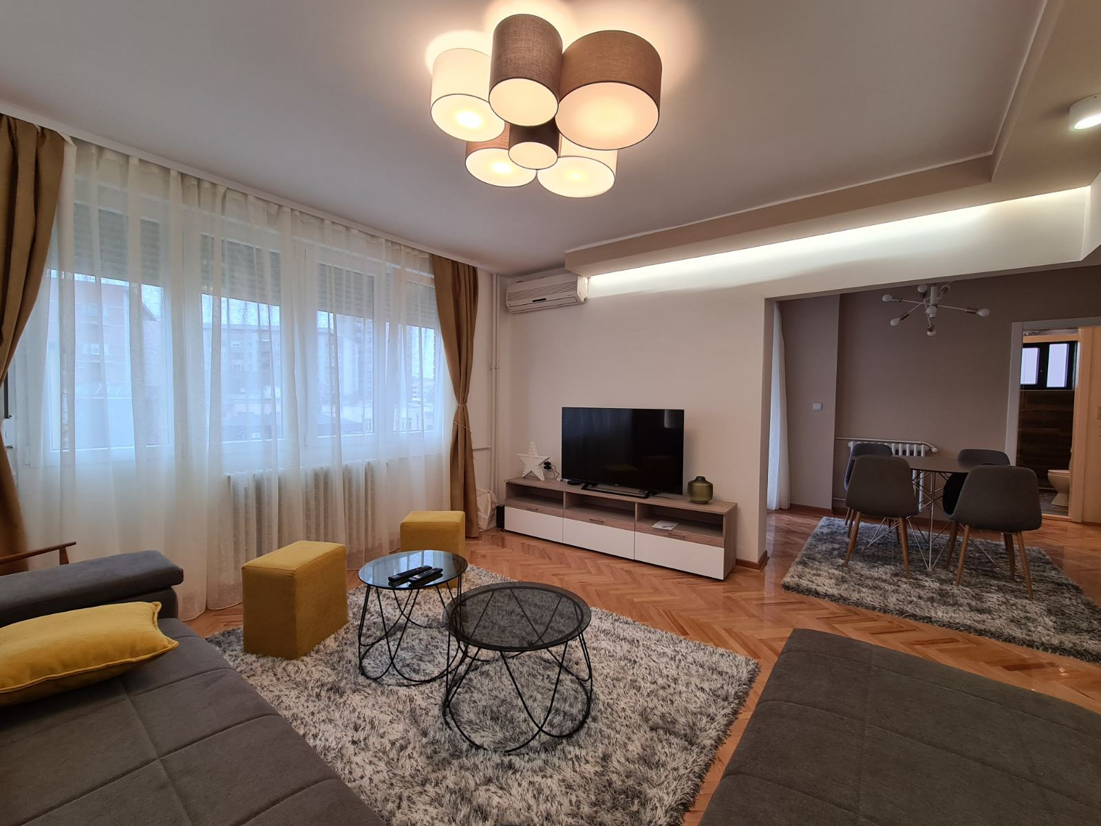 Trosoban nov stan u samom centru grada