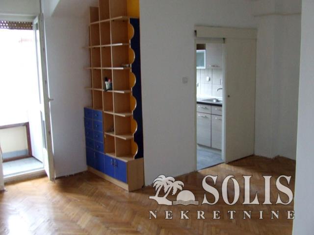 ŠIFRA: 1030659 Novi Sad, Lokacija Stanica