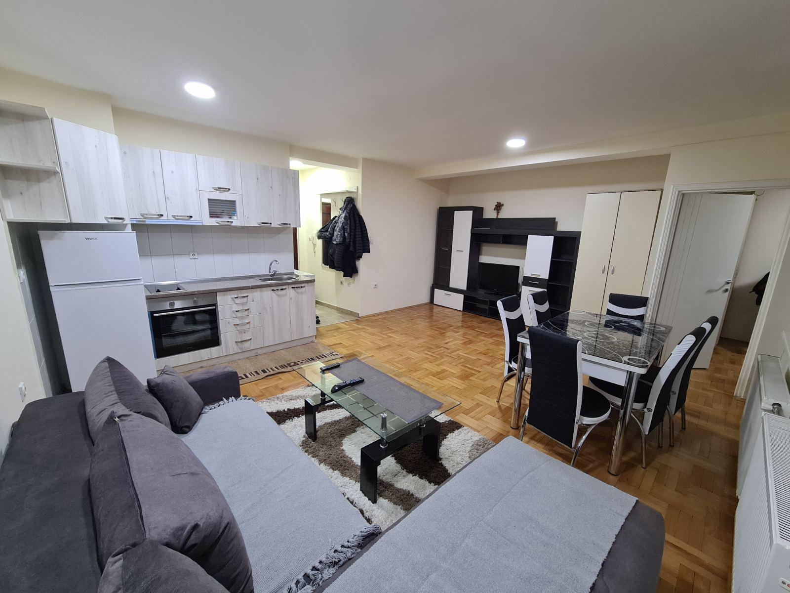 Jednoiposoban nov stan u samom centru grada  novogradnja