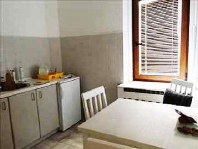 Izdaje se stan, namešten, Đeram pijaca, Beograd, Srbija