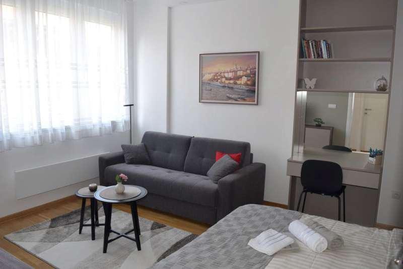 Izdaje se stan, namešten, Dorćol, Beograd, Srbija