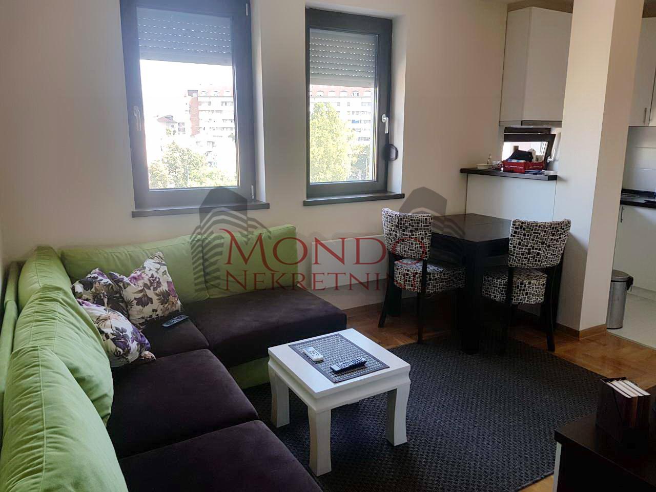 Jednoiposoban stan u novoj zgradi  park Cair  Nis