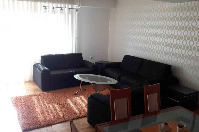 Dvoiposoban stan u novoj zgradi preko puta parka Cair  Nis