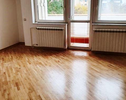 Izdaje se kuća, polunamešten, Filmski Grad, Beograd, Srbija
