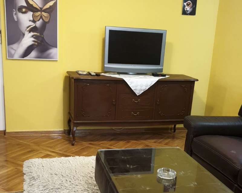 Izdaje se stan, namešten, Banovo brdo, Beograd, Srbija