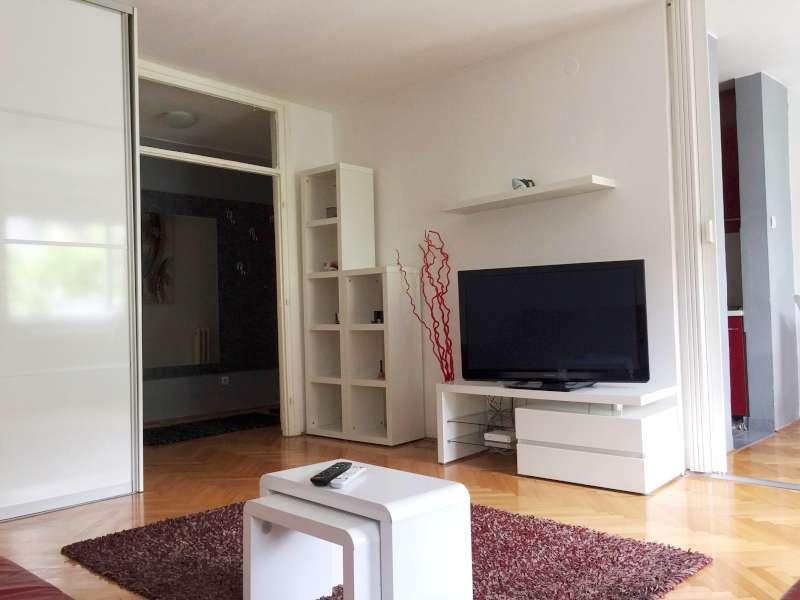 Izdaje se stan, namešten, Filmski Grad, Beograd, Srbija