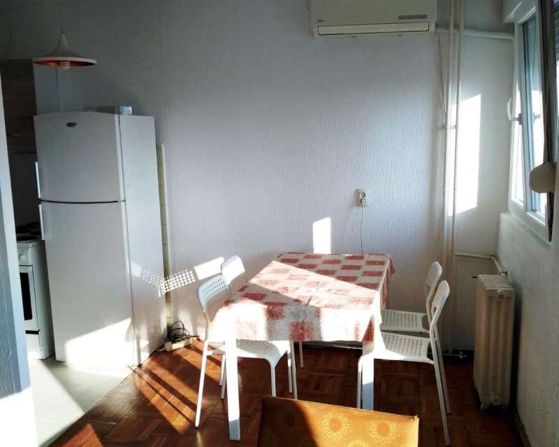 Izdaje se stan, namešten, Novi Beograd(Merkator), Beograd, Srbija
