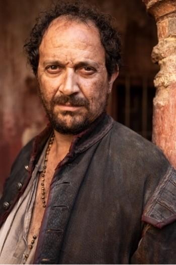 Luis Callejo es Conrado en La Peste