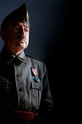 Santi Prego interpreta a Francisco Franco